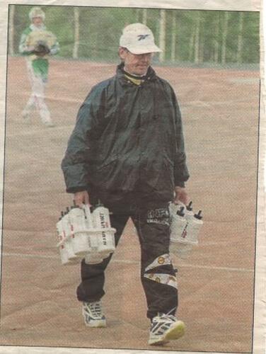 Hannu Kiiski, 70, uurastaa yhä lähes päivittäin pesäpallon parhaaksi
