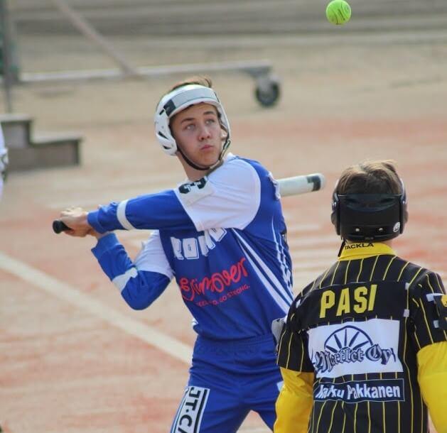 Kim Karjalainen työharjoittelussa Pesäpalloliitossa – näkökulmia pesäpallosta Helsingissä