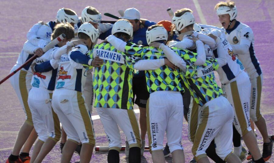 Nuorten sarjat pudotuspelivaiheessa – Lippo Juniorit lohkovoittajana A- ja B-poikien jatko-otteluihin