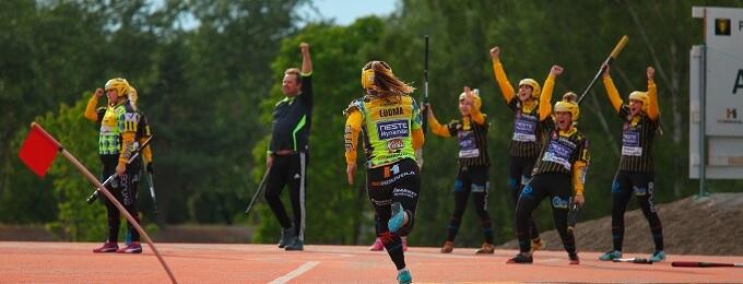 Mynämäen Vesa naisten Superpesikseen – koko joukkueen voitto!