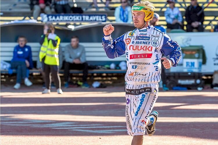 Uusi aluevaltaus – Sami Haapakoski pelaa squashin II-divisioonaa lauantaina