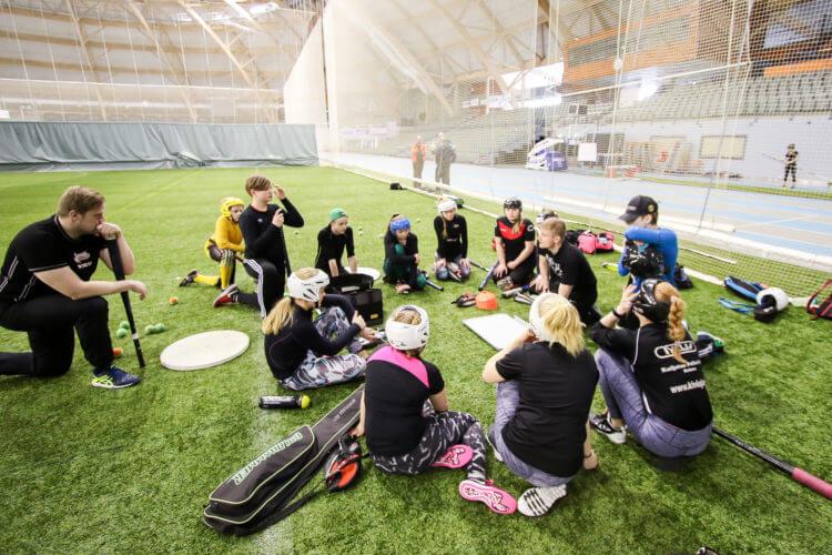 Pesäpallon yläkoululeirityksen suosio jatkuu vahvana – valinnat julkaistu!