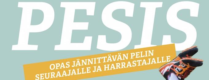 Annukka Koskela esittelee Pesis-kirjaansa Helsingin Kirjamessujen Olohuoneessa perjantaina