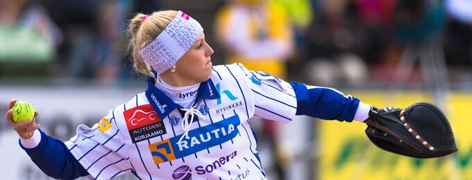 Kammi-Rahnasto ja nuoria tähtiä Itä-Länsi-pelaaja Iina Lehtisen johdolla Virkiään