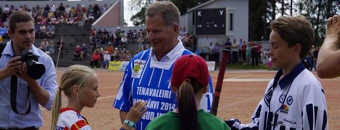 Tasavallan presidentti Sauli Niinistö toimii pesäpallon Itä-Länsi-tapahtuman suojelijana