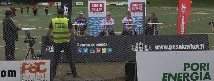 Vapaa pääsy: Porin SuomiAreenassa keskustellaan ja pelataan jälkipeleinä naisten Superpesistä