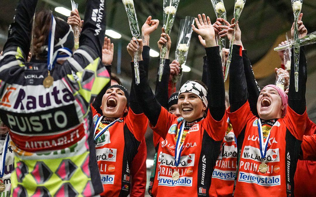Upea loppuottelu, kotiyleisö ja mestaruusjuhlat kruunasivat Pesäkarhujen Halli-SM-viikonlopun