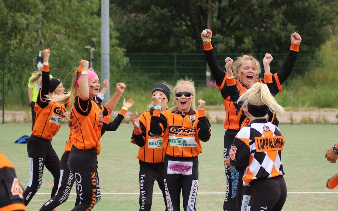Ikimuistoinen viikko huipentui Tenavaleirillä Espoossa – Lippo valkoinen ja HP mustat mestareiksi!