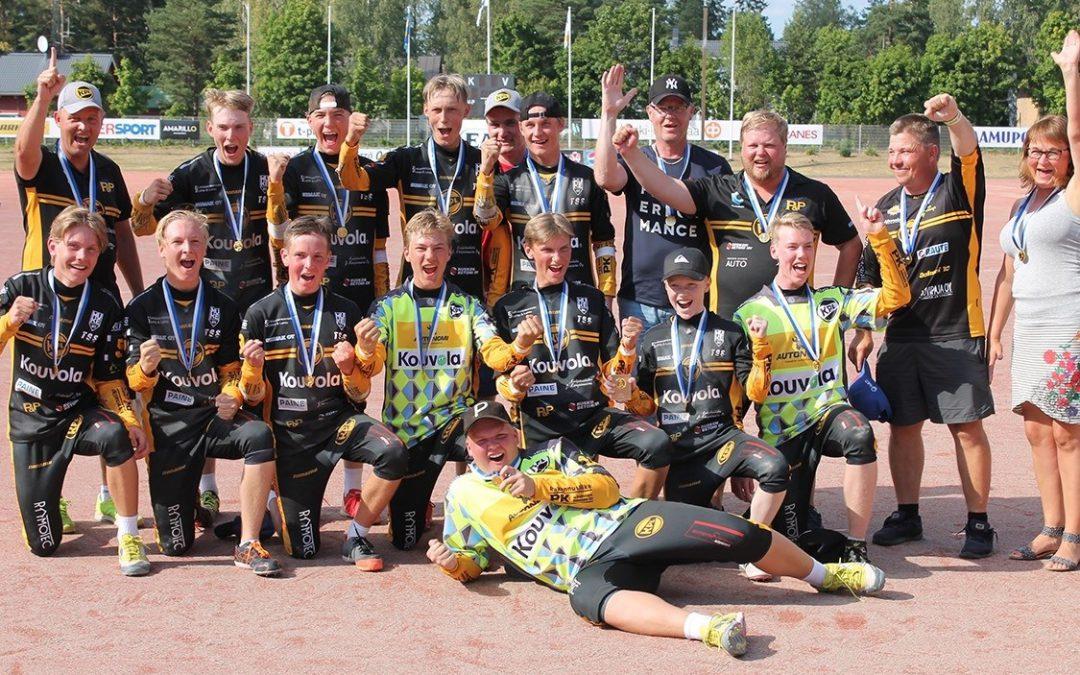 C-poikien Suomen mestaruus Kouvolaan – ilmiömäinen KPL ei hätkähtänyt kuuden juoksun takamatkaa