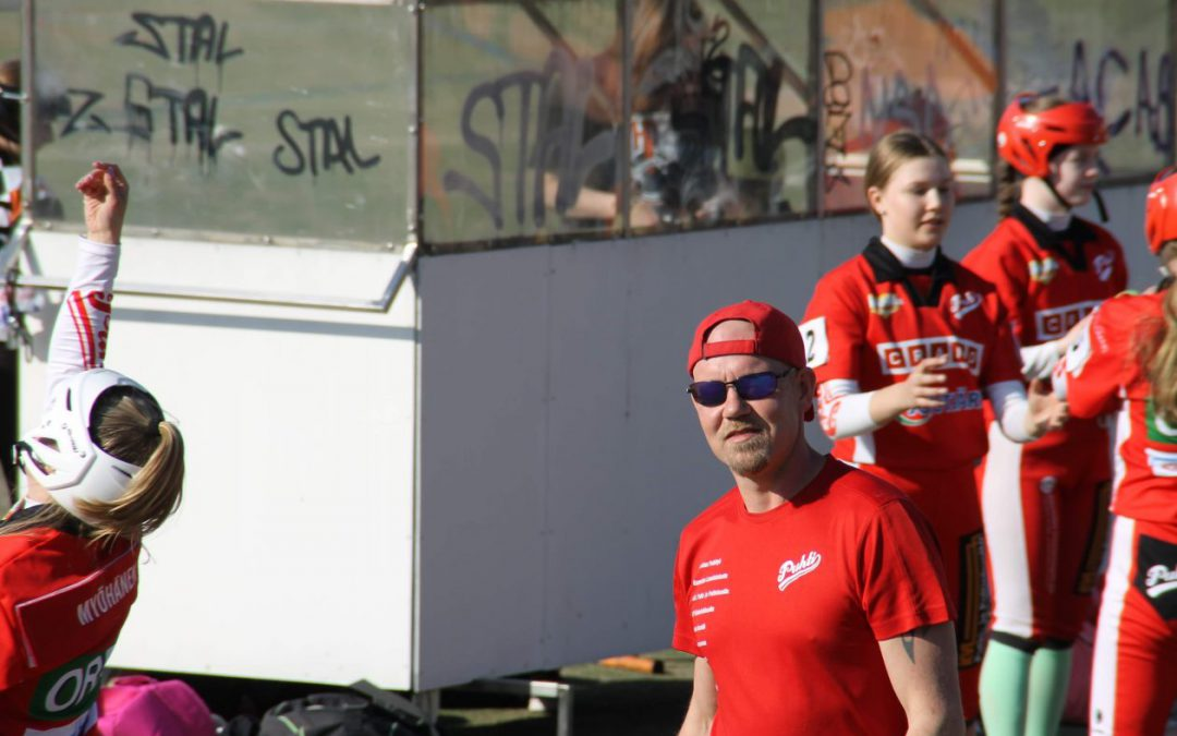 Lasten harrastukset kuljettivat valmentajaksi – valmentajaesittelyssä Kuusankosken Puhdin Mikko Saarinen