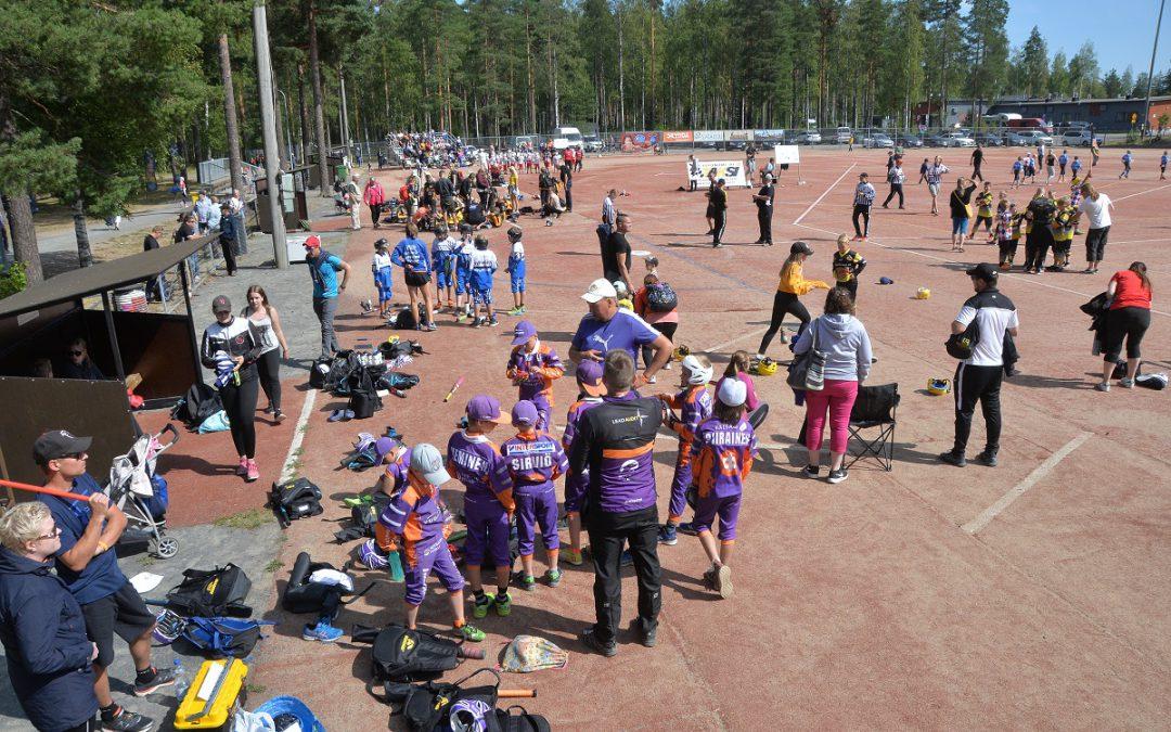 """Video: Harhaheittäjät Naperoleirillä – """"parissa tunnissa muuttui Kankaanpään kuva aika radikaalisti"""""""