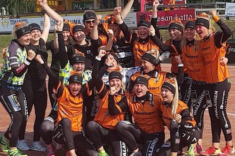 Voittamaton Haminan Palloilijat nousee naisten Ykköspesikseen!
