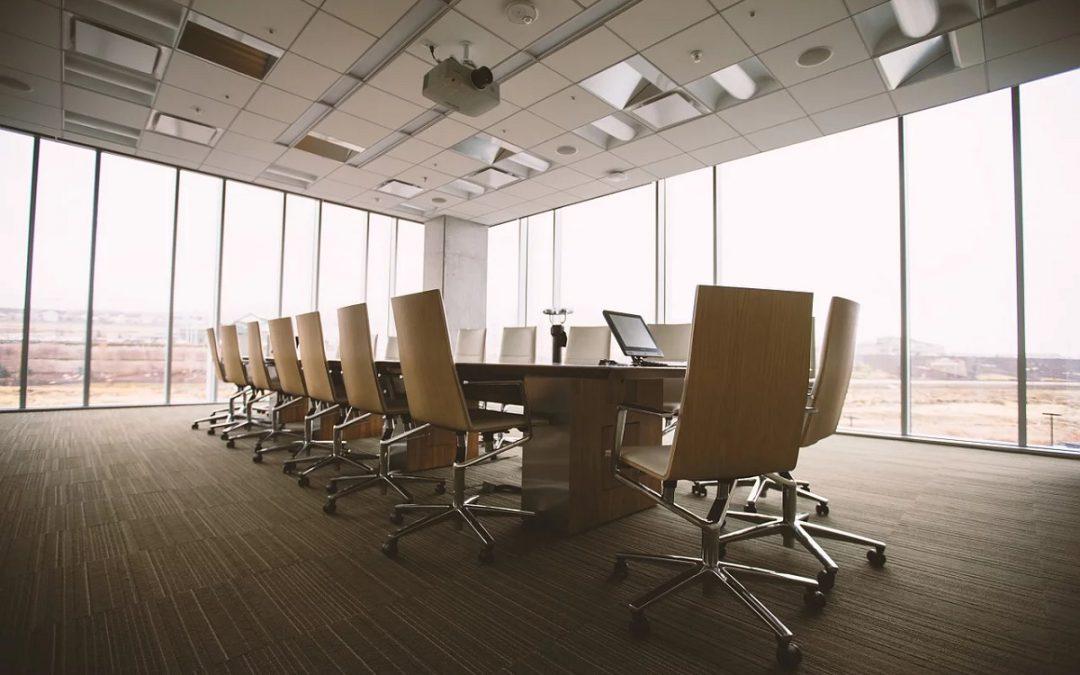 Sääntömääräinen kokous pitää järjestää, mutta sen ajankohdan siirtäminen on suositeltavaa!