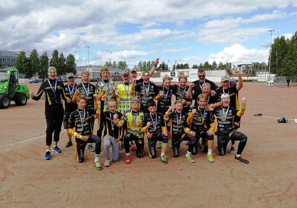 Kouvolan Pallonlyöjät toisena vuonna peräkkäin C-poikien ykkönen, Sotkamon Jymylle harvinainen mestaruus!