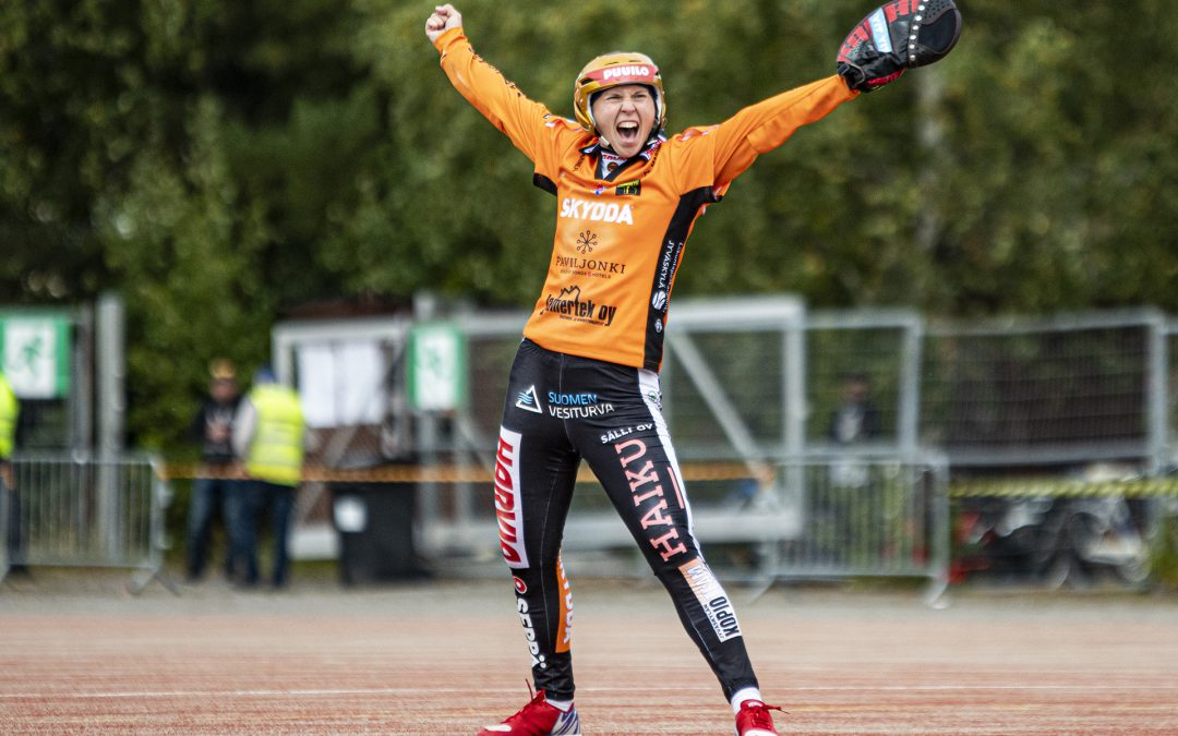Emma Körkkö teki rohkean päätöksen ja on nyt toistamiseen urallaan vuoden naispesäpalloilija!