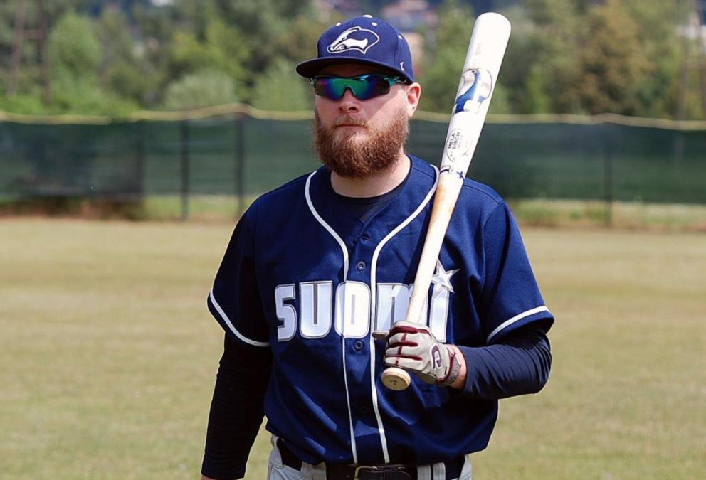 Maailman Baseball & Softball liitto (WBSC) huomioi pesäpallon ja baseballin läheisen yhteistyön kattavassa artikkelissaan