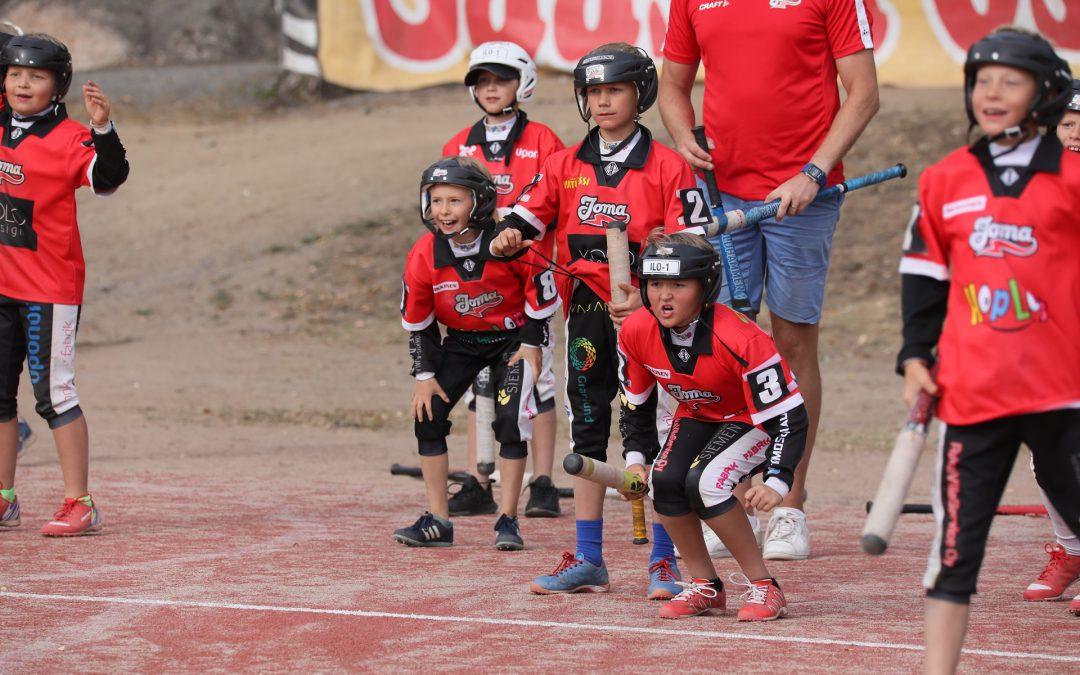 Pesäpallon kilpailutoiminta käynnistyy ensi viikolla vastuullisuus huomioiden – Olympiakomitea päivitti ohjeistustaan