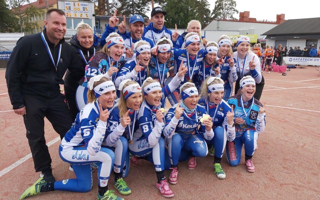 Fera juhlii Suomen mestaruutta tyttöjen Superpesiksessä