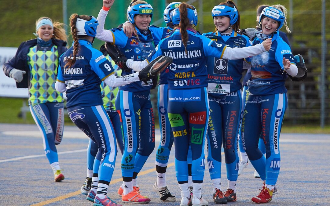 Hallitseva Suomen mestari Kempeleen Kiri kohtaa tauon jälkeen mitalipeleihin yltäneen Kirittäret tyttöjen Superpesiksessä!