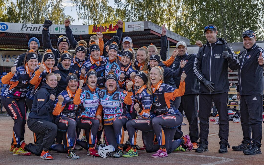 Mailattaret Vaasasta nousee naisten Superpesikseen – 860 katsojaa juhlivat Hietalahden stadionilla